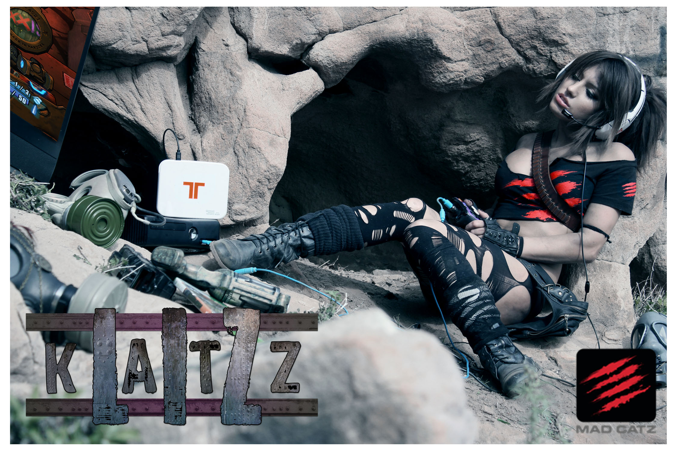 Mad Catz teams up with Liz Katz to play with their Tritton headset
